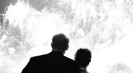 Foto inédita do casamente é o postal de Natal de Meghan e Harry