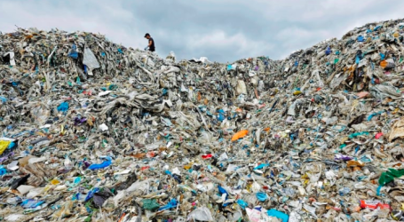 Canada's major grocery chains slow to tackle the mounting problem of plastic waste