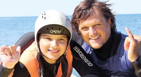 Surf adaptado com boa onda em Viana