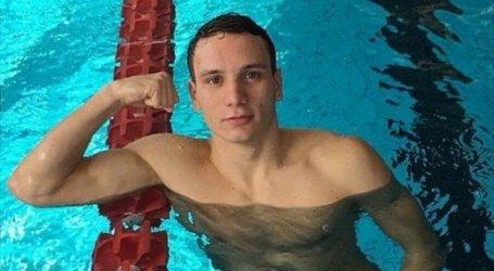 Nadador italiano baleado por engano fica paraplégico