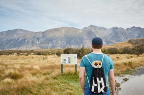 Ed, Erdmnännchen, Erdmaennchen, Meerkat, Maskottchen, maskot, wandern, Wanderweg, Neuseeland, New Zealand