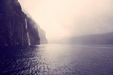 Milford Sound, Scenic Tour, Bootsfahrt, Wasserfall, regnerisch, bad weather, Regen, schlechtes Wetter, regnerisch, nebelig, dunstig