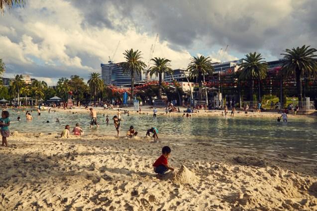 Brisbane, South Bank, free, swimming, pool, sand, beach, public, access, fun, for familys, für familien, was tun mit kindern
