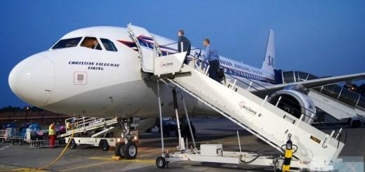 SAS Airbus A319-100 - MSN 2850 - OY-KBO imbarco in aeroporto Berlino-Tegel