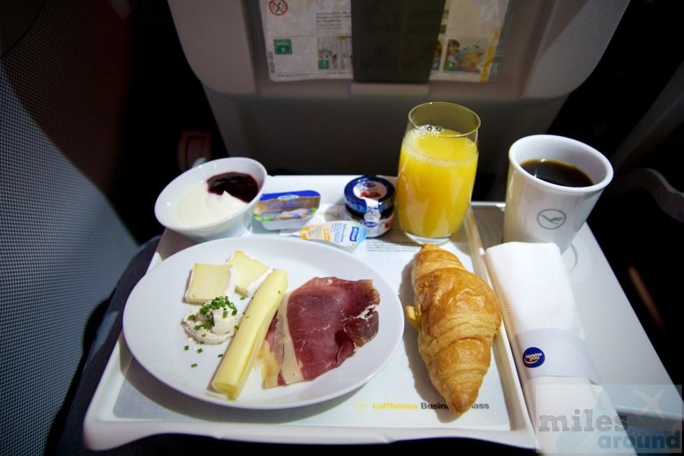Desayuno en la Business Class de Lufthansa en el Airbus A320