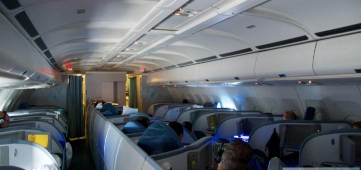 Air Canada Business Class im Airbus A330 - Kabine