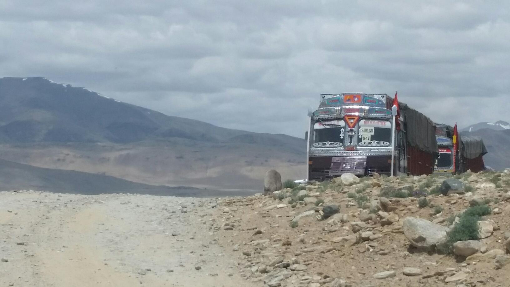 LKW im Himalaya