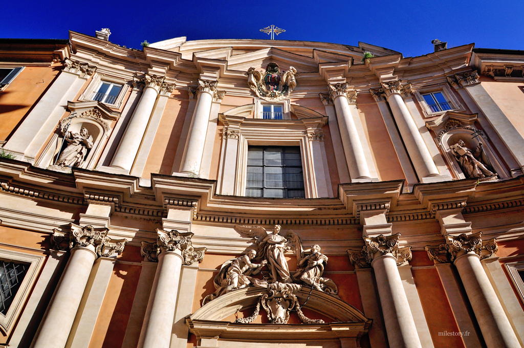 façade église à Rome