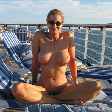 Find Sex Starved Milfs Available In Private Discreet