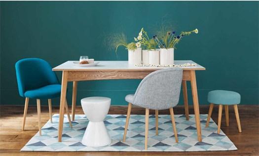 Color Azul Petróleo combinado con madera en muebles y paredes