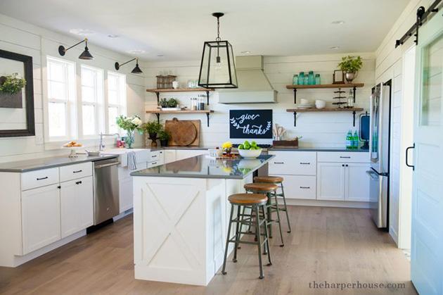 Eski bir mutfak nasıl dekore edilir: Vintage lambalar ve duvar lambaları