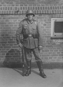 Deutscher Infanterist im 2. Weltkrieg