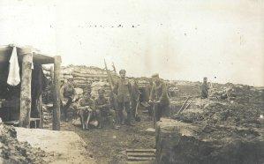 Infanterie in der Grabenstellung