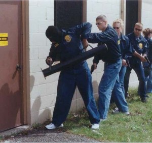 Bélier moderne pour la police