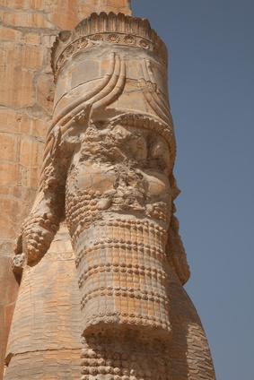 Xerxes Statue in der ehemaligen persischen Hauptstadt Persepolis