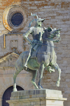 Francisco Pizarro Statue
