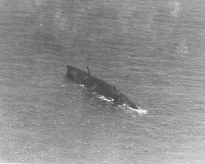 L'SMS Ostfriesland inizia ad affondare