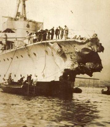 Bug du HMS Caledon après la collision en Méditerranée