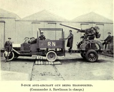 QF 3英寸20英寸重的火炮安装在卡车上