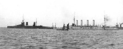 Le HMS Princess Royal et le croiseur russe Admiral Makarov en juin 1914 à Cronstadt
