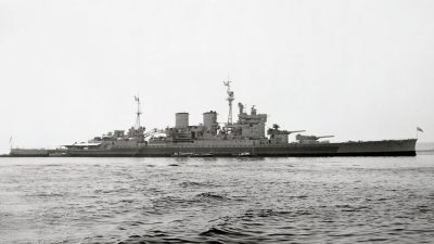La HMS Renown en août 1945