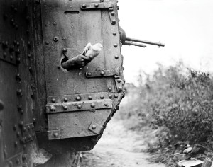 Pigeons-in-Tanks-Corps-service