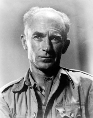 Black and white photograph of Ernie Pyle