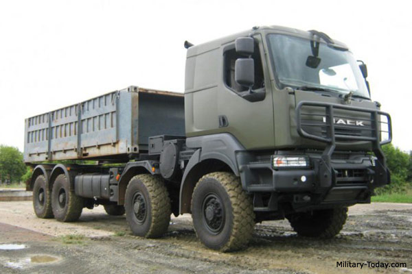 Mack 8x8 Heavy Utility Truck   Military-Today.com
