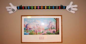 Make This Mickey Mouse Hands Magic Band Display