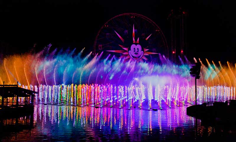 Disneyland World of Color (C) Disney