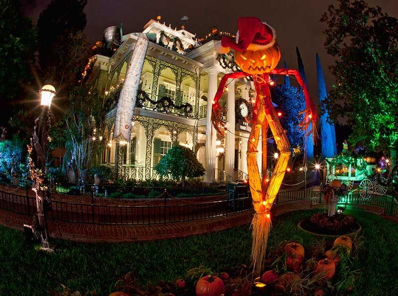 mickeys halloween party at disneyland c disney - Mickeys Christmas Party Disneyland