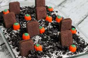 Find out what things you can make with these easy Halloween Tombstone Treats: 20 Recipes to Dig Up Your Next Party recipes! To die for!