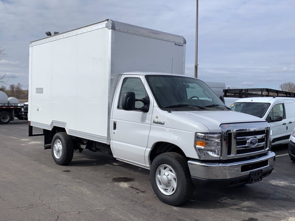 new 2019 ford e series cutaway box truck in earth city