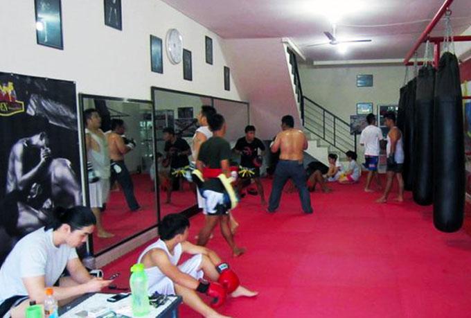 golden camp muay thai gym interior