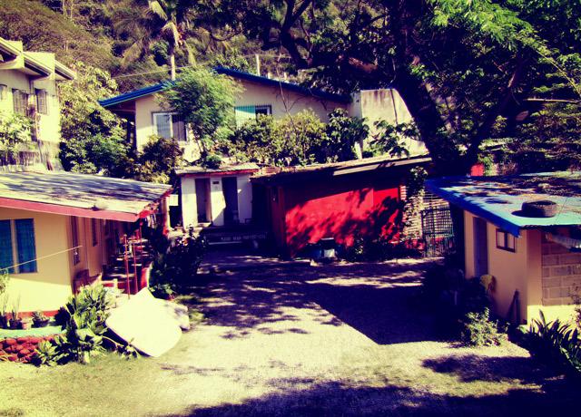 lola-nannys-grounds