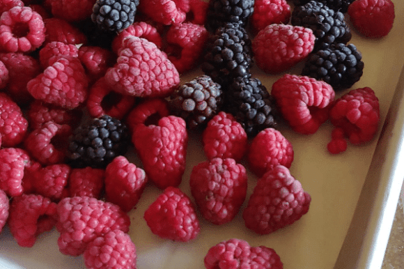How to Freeze Berries: No Stress, No Mess