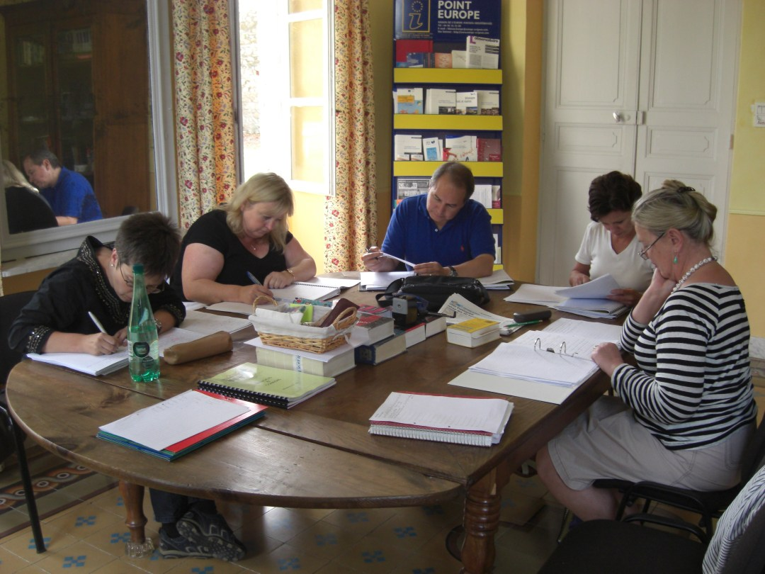 You learn French in small groups in our charming property in south of France