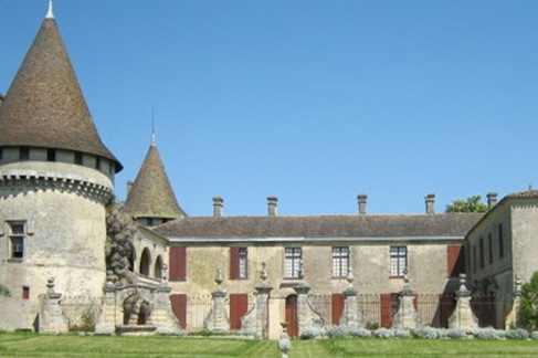 chateau de mouchac salle de mariage gironde aquitaine vue façade millemariages