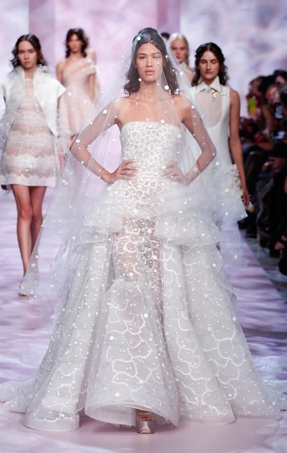 Les plus belles robes de mari es haute couture collection for Prix de robe de mariage en or georges chakra