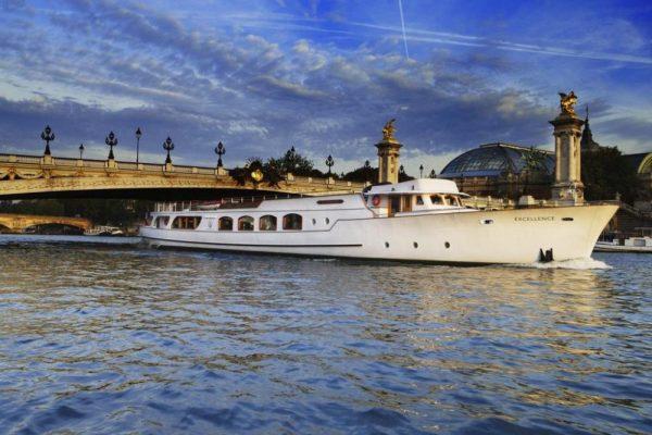 yachts-de-paris-bateau-l-excellence