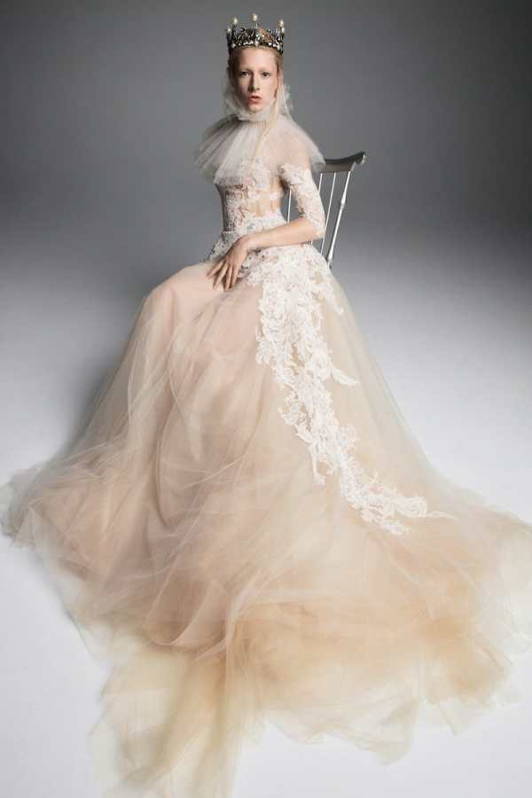 VERA-WANG-FALL-2019-BRIDAL-COLLECTION-6 millemariages.com - Mille Mariages Magazine - Paris