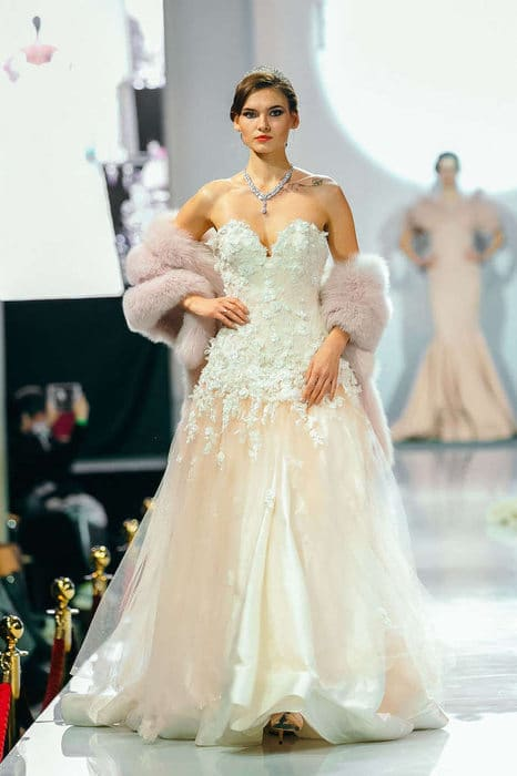 hayari-paris-defile-moscou-2019-millemariages-7