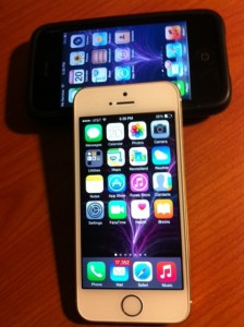 Old Technology Won't Cut It for Businesses - IPhone 5S with IPhone 3GS