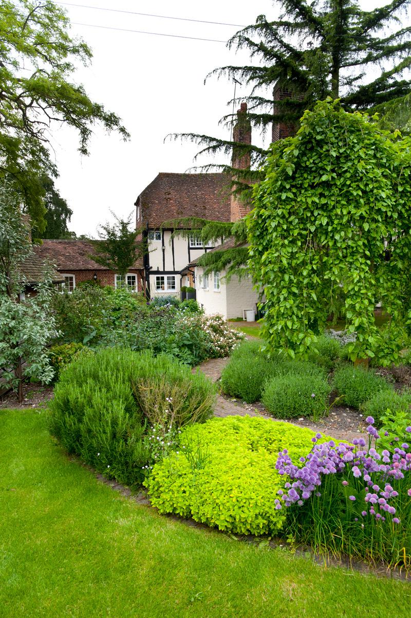 Farmhouse Garden | Millhouse Landscapes on Farmhouse Backyard Landscaping id=23414
