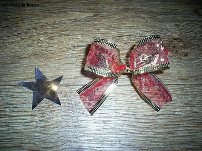 Новогодняя поделка из шишки «Игрушка на елку» с фото ...