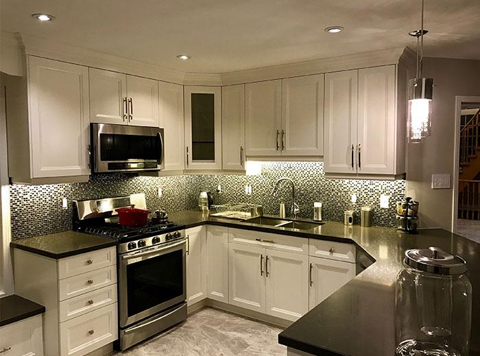 Maple Cabinets Quartz Countertops #AX67 - Roccommunity on Maple Kitchen Cabinets With Quartz Countertops  id=33513