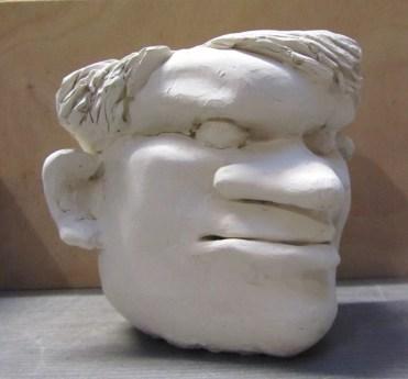 LE CABOCHARD / porcelaine / (13 x 16 x 16 cm)