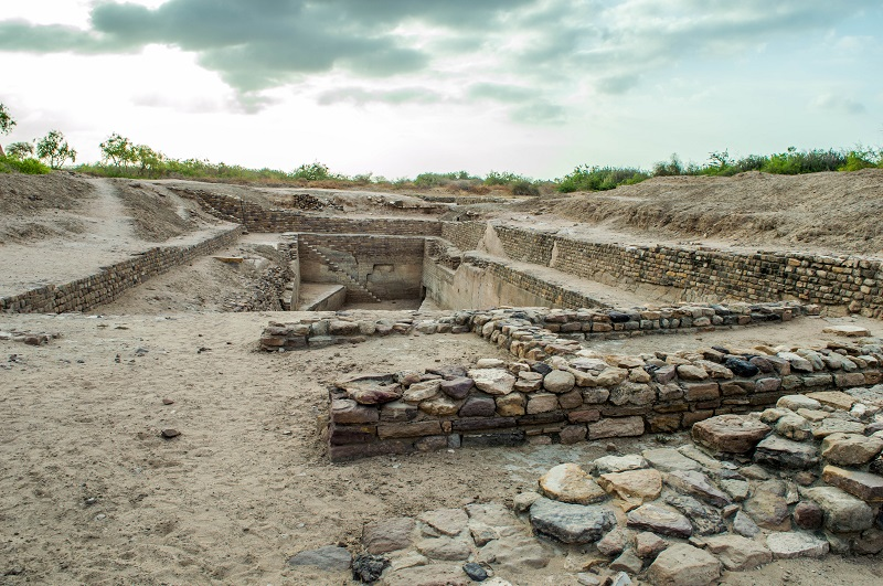 Excavations of reservoirs