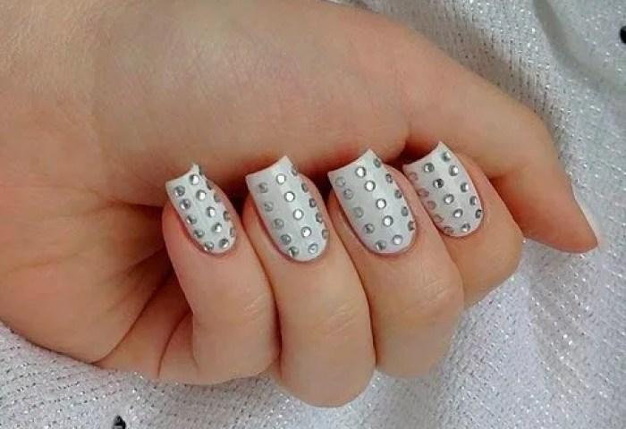 Nail Art Strass Cómo Decorarte Las Uñas Con Cristalitos
