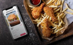Grab & Gojek's Food Delivery Business Has a New Competitor